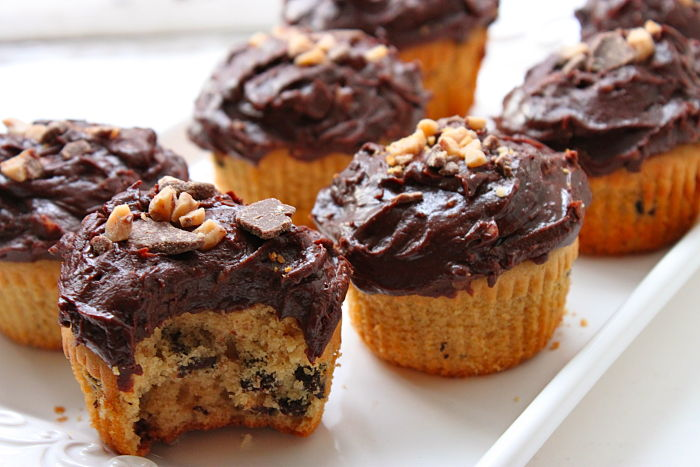 Peanut Butter-Chocolate Chip Cupcakes with Heath Bar ...