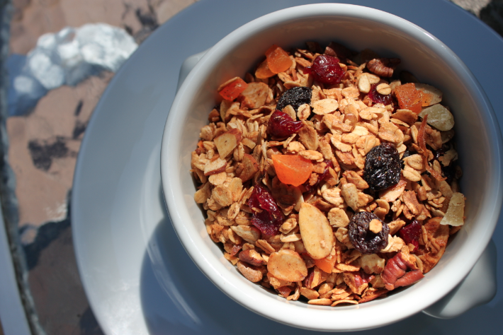 dried fruit granola