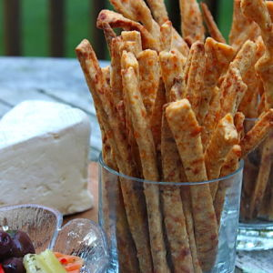 Spiced Cheddar Cheese Twists