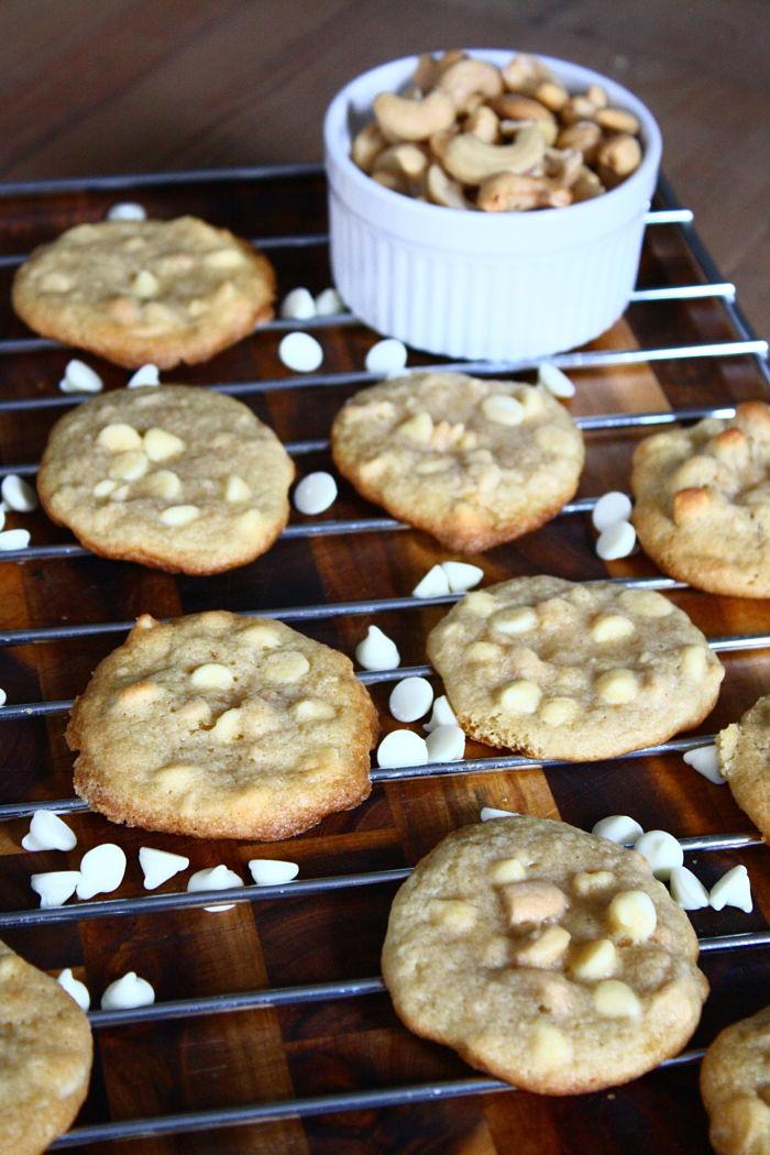 White Choc Cashew Cookies_opt