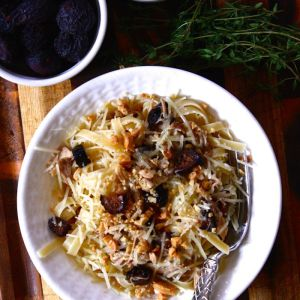 Shredded Chicken & Figs with Marcona Almonds and Thyme