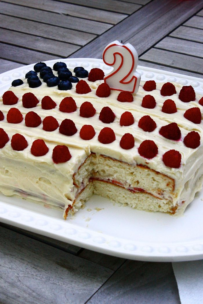 Red, White & Blueberry Cake with Strawberry Layer